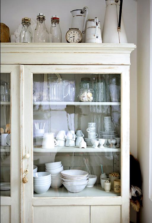 White Rustic Kitchen Pandas House