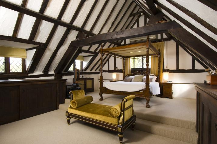 Two Tudor Bedrooms Panda 39 S House