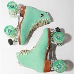 seafoam-green-roller-skates