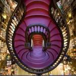 Livraria Lello red staircase-2