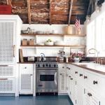 nautical cottage kitchen