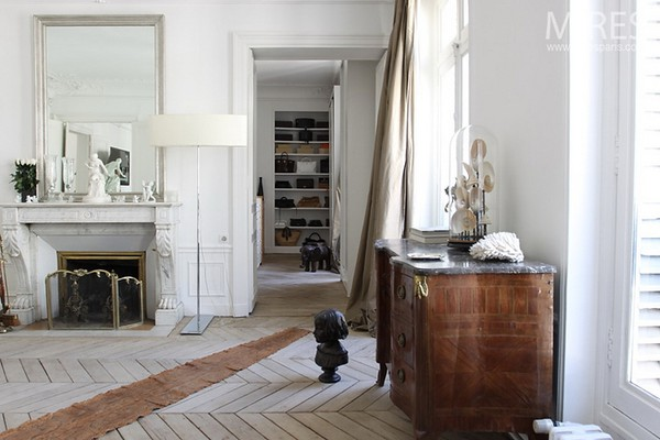 Pale chevron floors