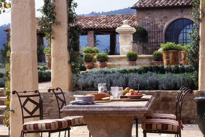 Italy belvedere umbria castle 4 al fresco dining panda 39 s house - Interior design perugia ...