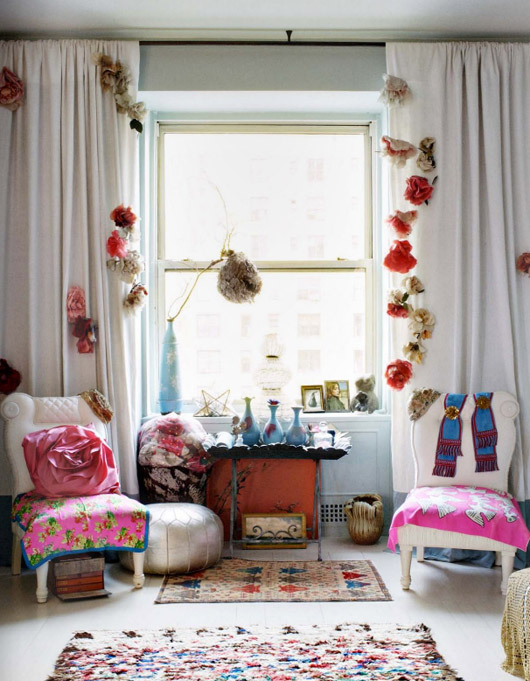 Boho chic living space panda 39 s house for Boho living room ideas