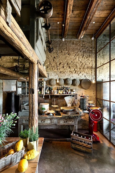 Italian rustic spaces panda 39 s house for Italian kitchen