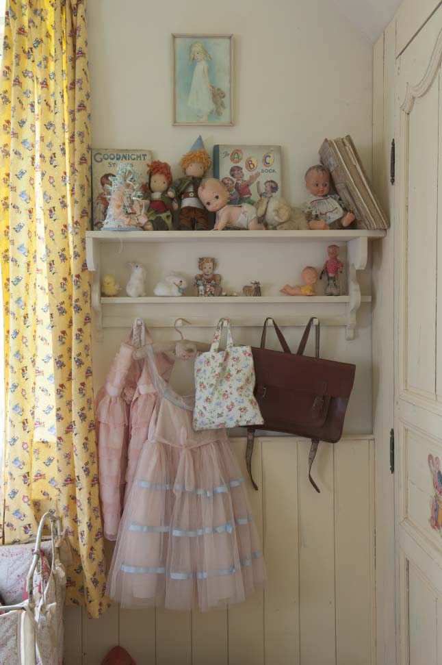 colonial home vinatge pastel home 18 shabby chic girls bedroom