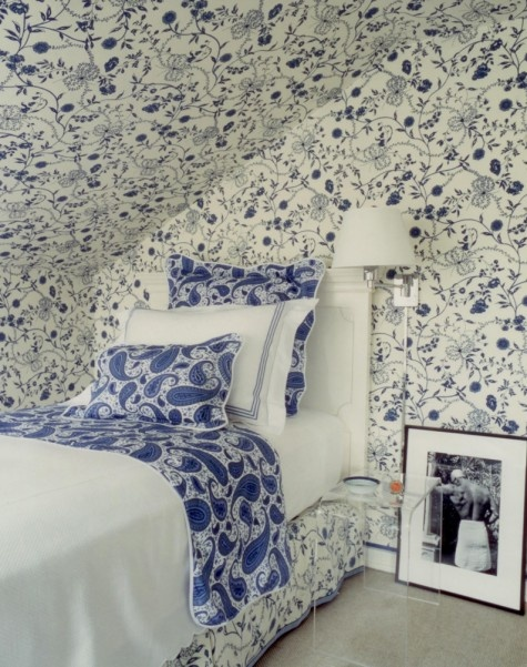 paisley bedroom in blue and white