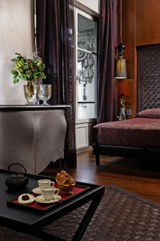 Derby Hotel paris luxury maroon bedroom