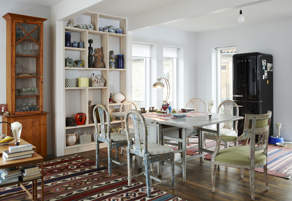 Madeleine Pyk's studio home dining room