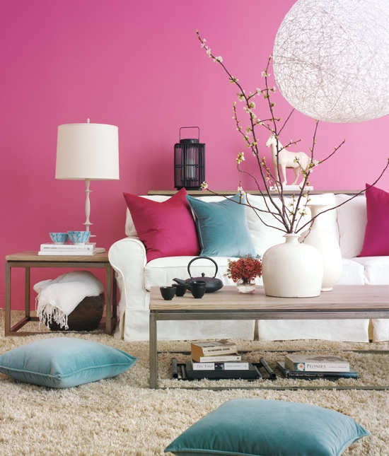 living room in turquoise and pink