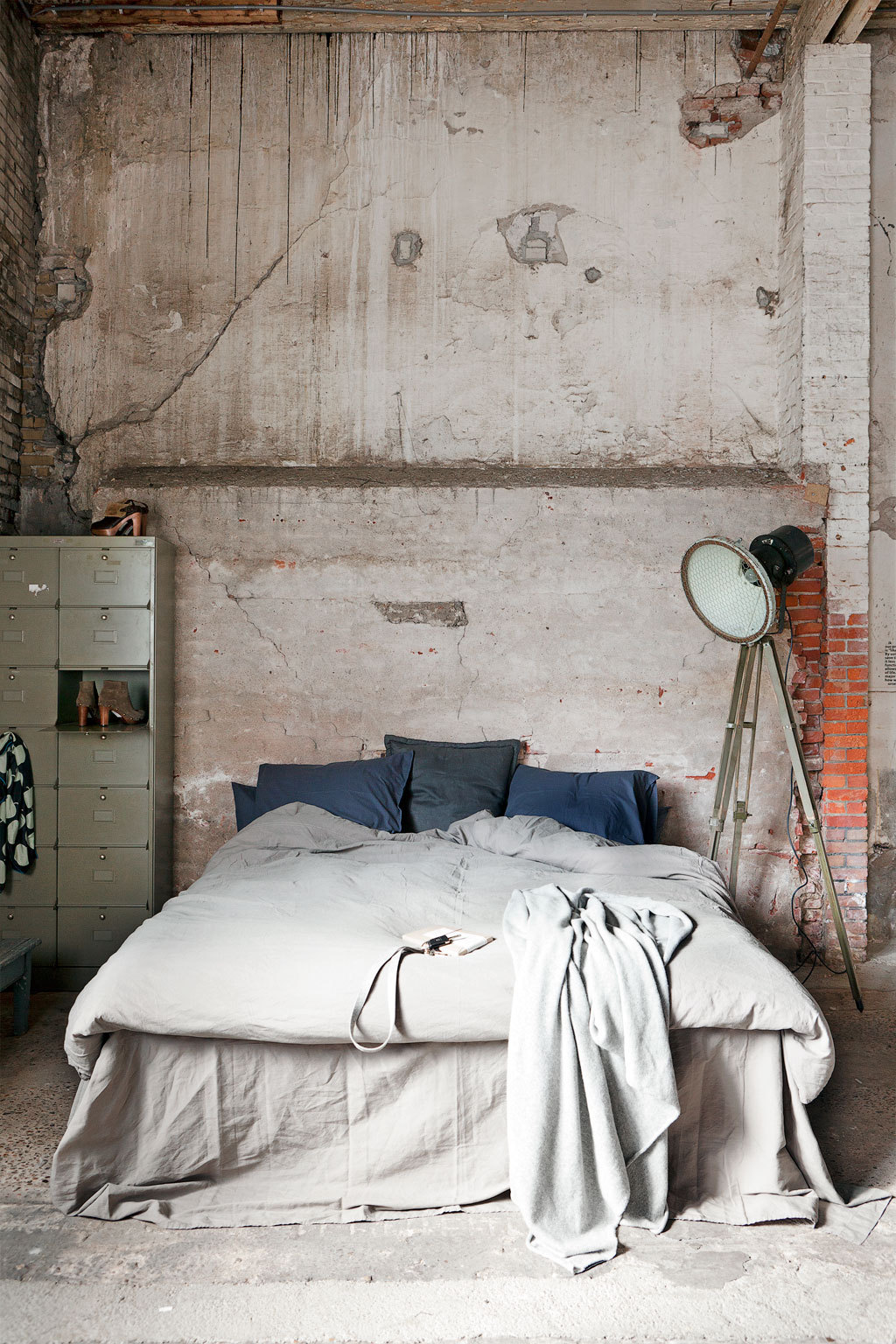 industrial styled bedrooms industrial bedroom design 4