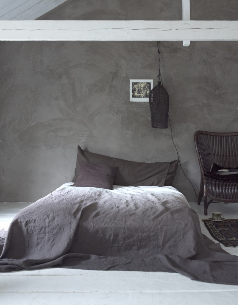 Industrial bedroom design in grey panda 39 s house - Couleur marron taupe ...