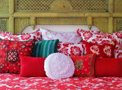 red pillow interior design