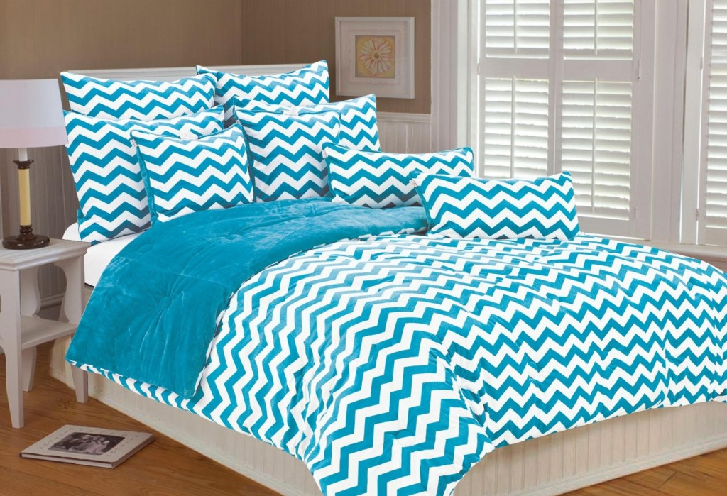 white blue turquoise bedding