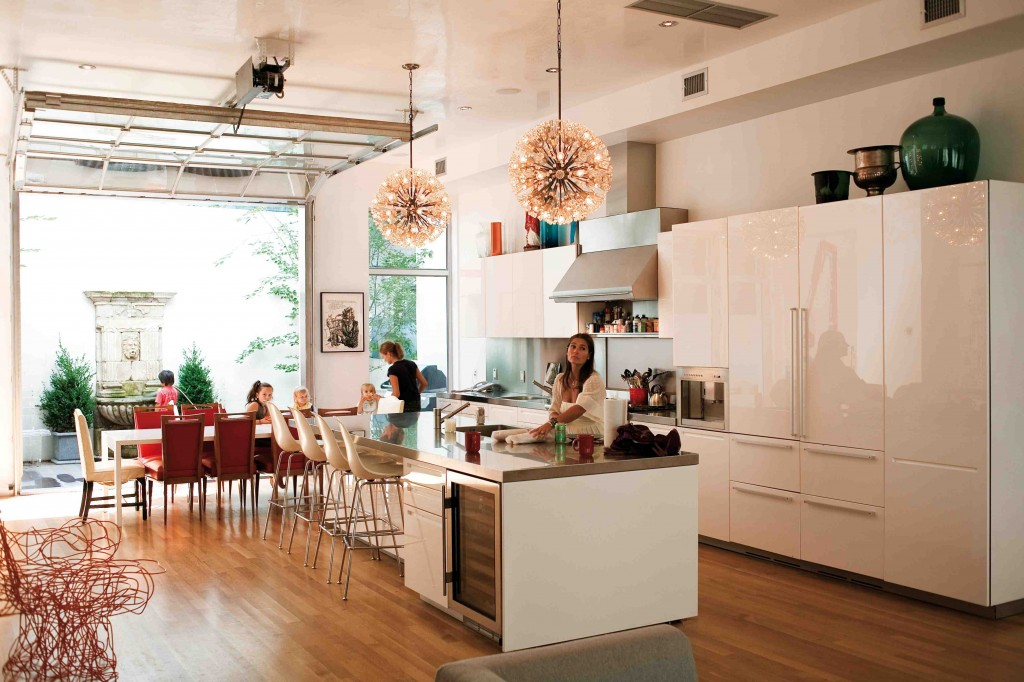 DowntownChic_white modern kitchen