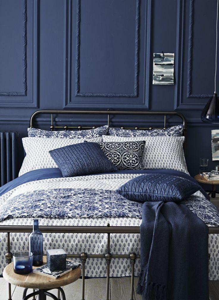Luxury Hotel Bedrooms: 25 Amazing Indigo Blue Bedroom Ideas