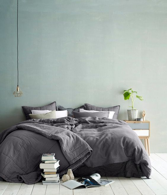 gray and mint bedroom idea