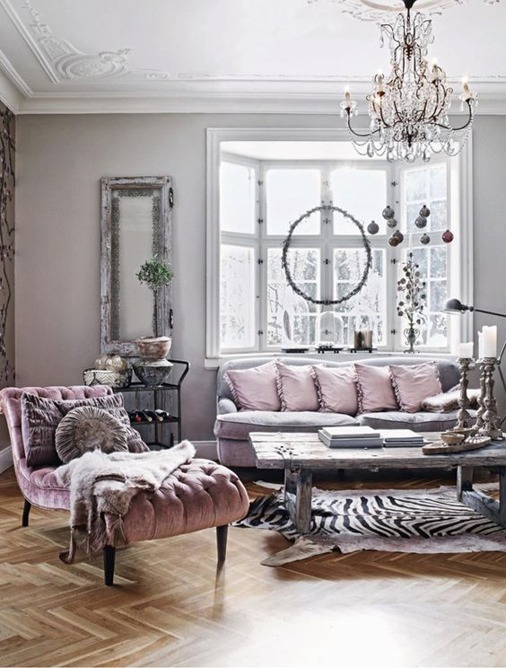 Romantic bohemian living room in pink and gray